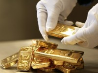 Как и от чего зависят цены на золото