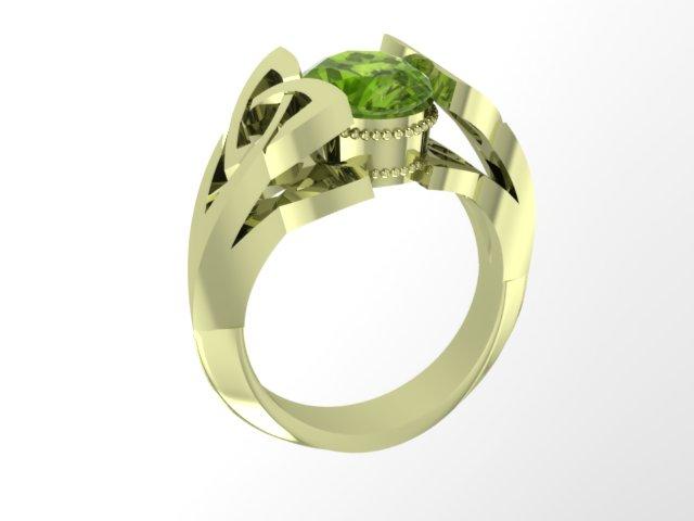 Зеленое кольцо из золота