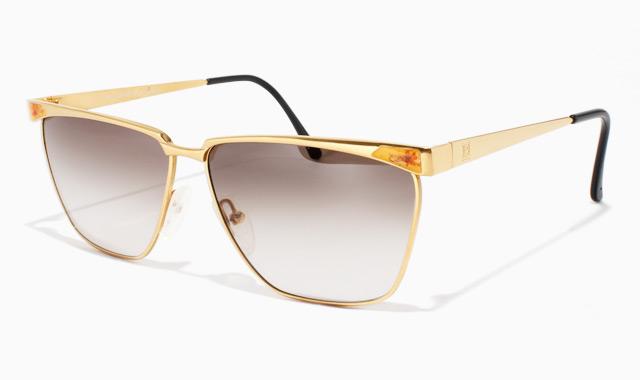 Очки с золотой оправой