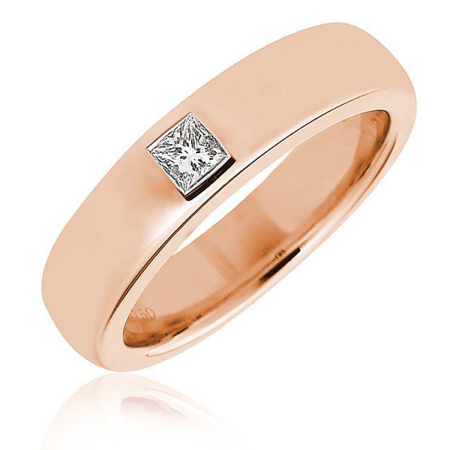 Кольцо розового оттенка