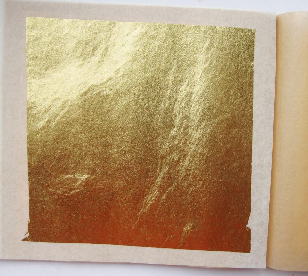 Тонкий лист сусального золота