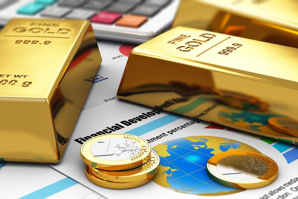 Монеты евро и золото