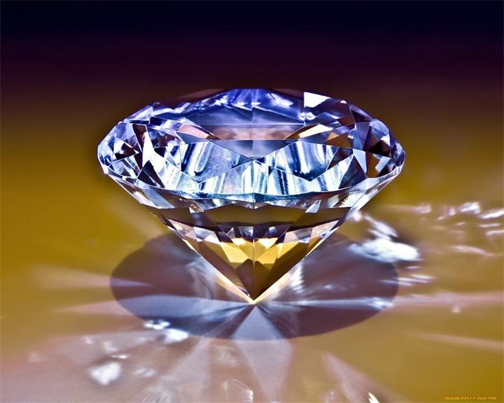 Игра света на бриллианте