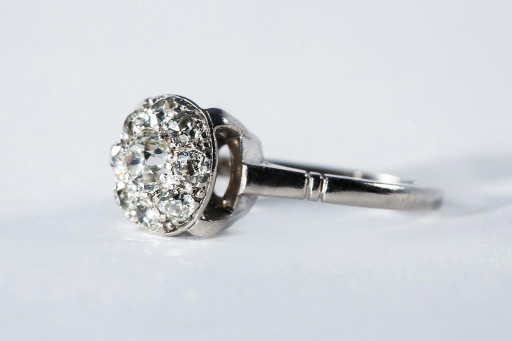 Кольцо из палладия с камнями