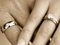Отвечаем на вопрос, почему от золотых изделий чернеют пальцы