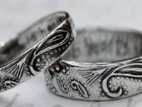 Почему чернеет серебро на теле человека