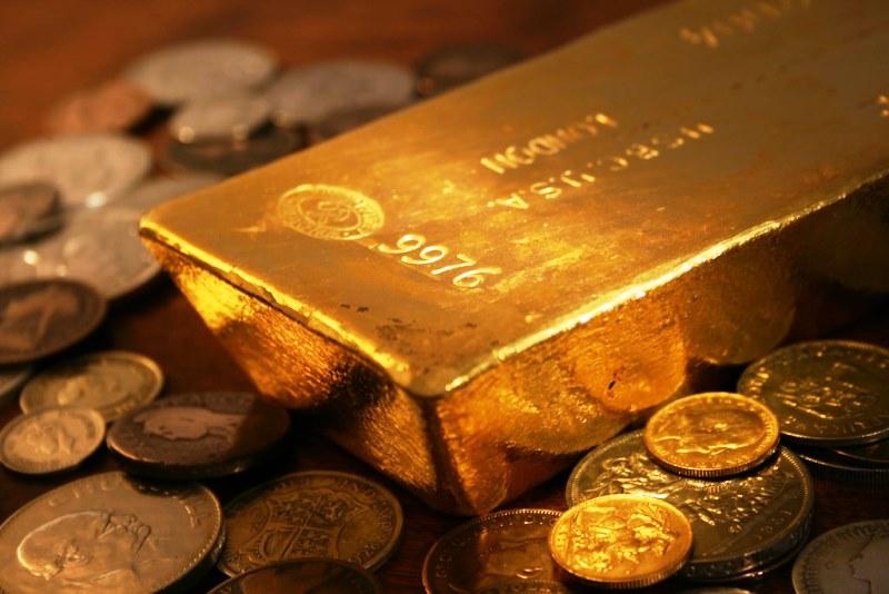 почему великобритания выкупает золото из россии