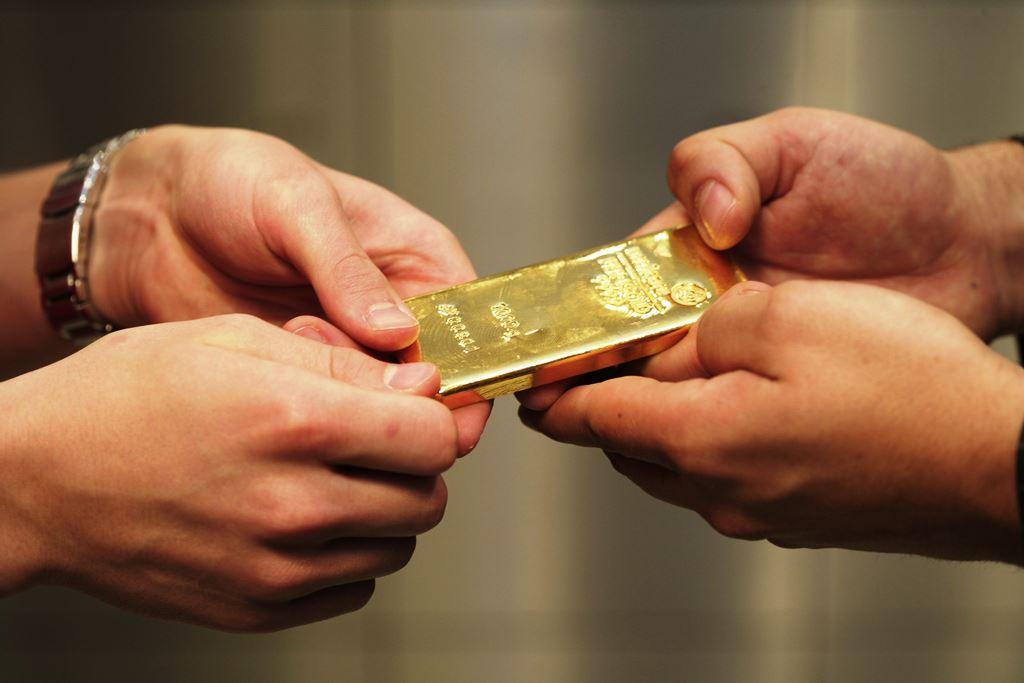 почему вывозят золота