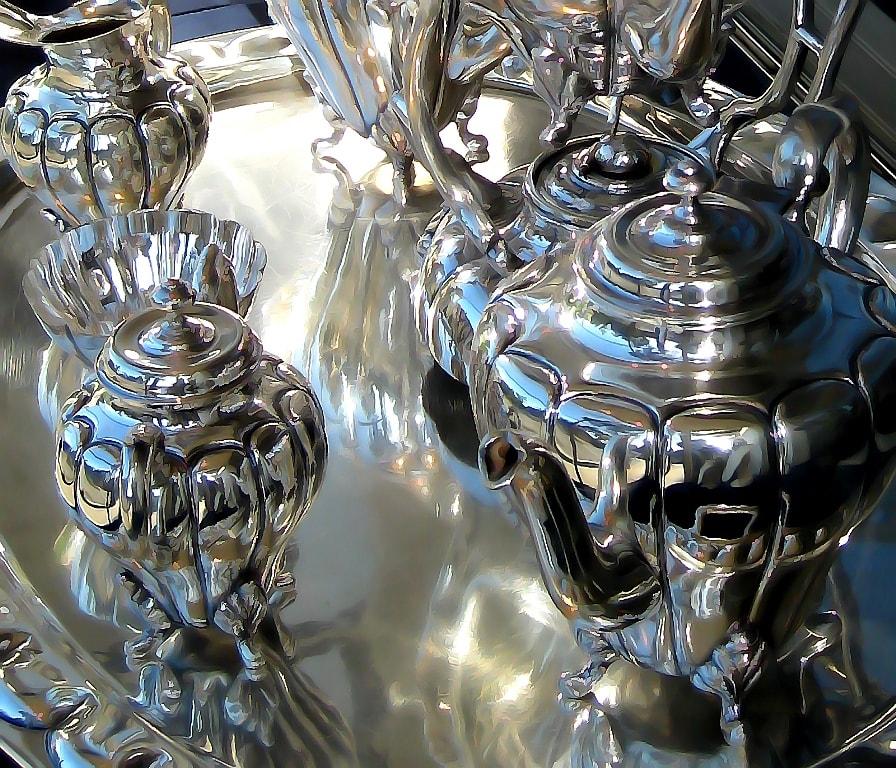 набор серебряных самоваров